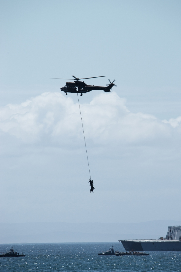 Helicopters, soldiers, ships - fighting piracy