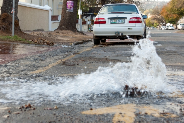 A burst pipe on Prince Alfred Street, Grahamstown, Photo: CuePix/Gemma Middleton - NAF 2016